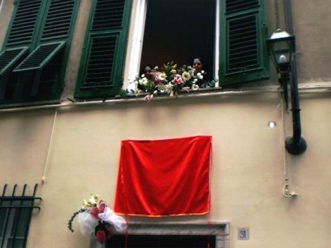 Inaugurazione dinanzi a Palazzo Gazzale